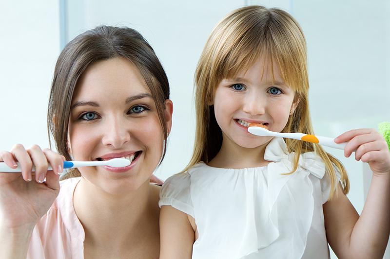 cepillado-de-dientes-salud-bucodental-clinica-dental-dentality